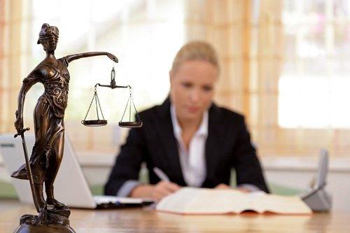Ile zarabia adwokat w Krakowie?